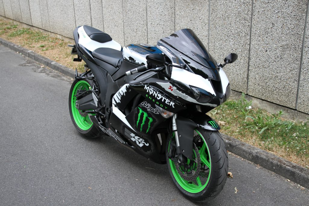 ZX6 R Monster Energy